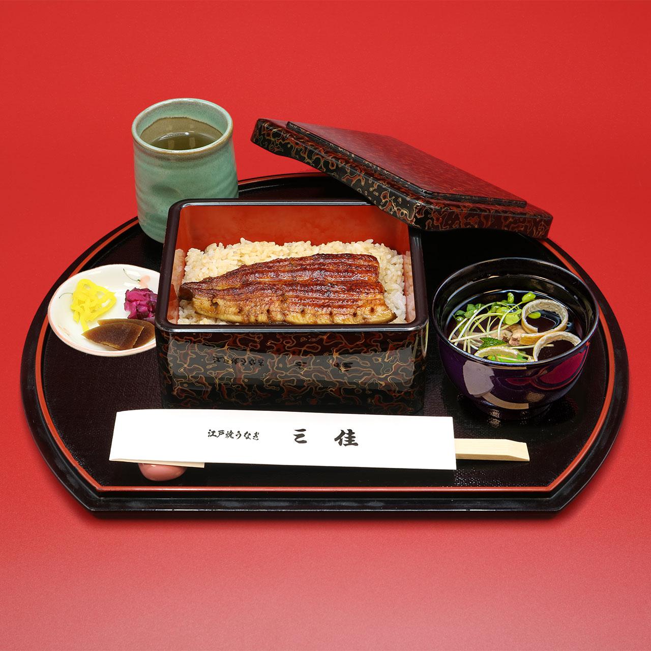 うなぎ丼ハーフ(きも吸付)2,650円